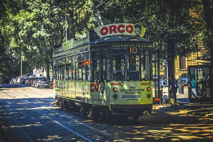 tram-3643249__480.jpg