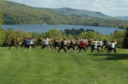 Kripalu-yoga-on-the-lawn.jpg
