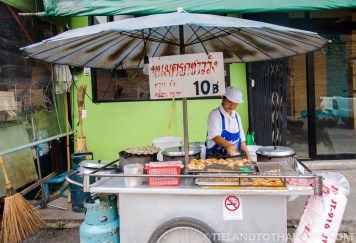 Chiang-Mai-Gate-Food-Stalls-1000px-4.jpg